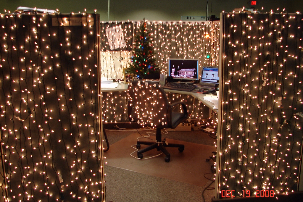 Cubicle decor on pinterest cubicles cubicle decorations for Xmas office design